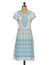 Embroidered Neck Printed Cotton Kurta With Lace - Paislei