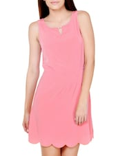 Peachy Pink Feminine Dress With Scalloped Hem - Pera Doce