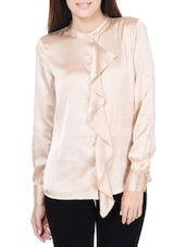 Chic Beige Top With Ruffled Placket - Pera Doce