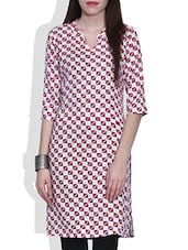 White Geometric Printed Quarter Sleeved Cotton Kurta - By
