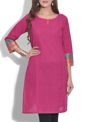Magenta cotton quarter sleeved kurta