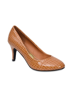 camel brown textured patent pumps