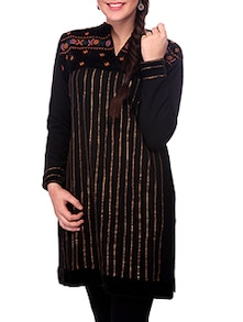 Woollen Kurti With Embroidered Patch