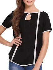 Solid Black Top With White Stripes - Femenino