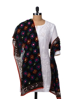 Black Beautiful Phulkari Dupatta - Vayana