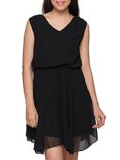 Black Loose Fitted V-Neck Polyester Dress - Globus
