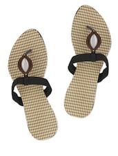 Synthetic Black Sandals With Metallic Trim - Yepme