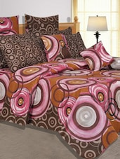 Overlapping Circles Printed Cotton Double Bed Sheet - Salona Bichona