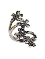 Retro Flower Metal Alloy Ring - ESmartdeals