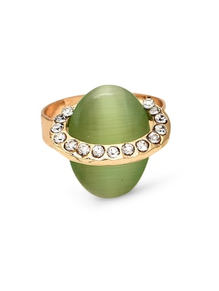Green Oval Shaped Finger Ring