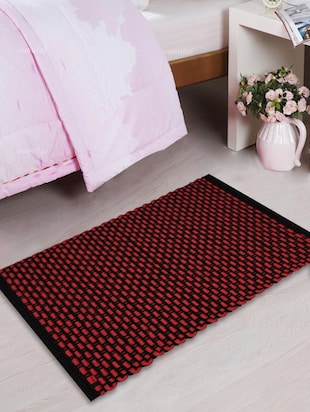 Linear rope door mat