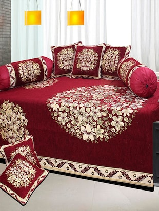 red chenille diwan set