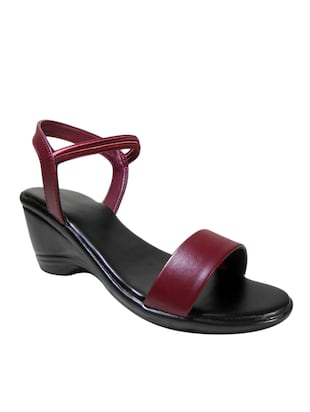 maroon faux leather wedge