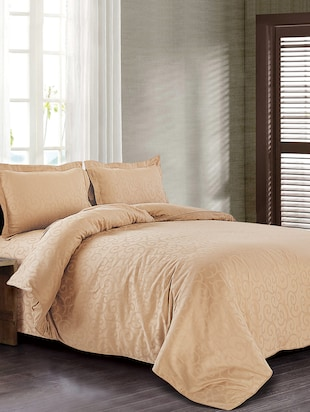 Spread beige cotton bedsheet with 2 pillow covers