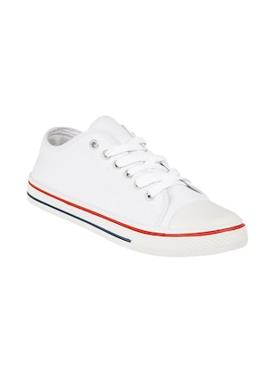 white leatherette sneaker
