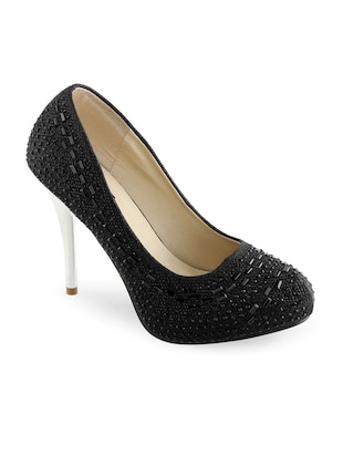 black leatherette pumps