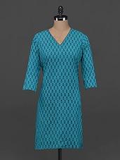 Quarter Sleeve V Neck Cotton Kurta - Fami India