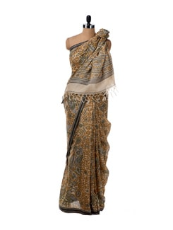 Off-white Saree With All Over Print - Saboo