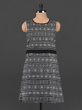 Monochrome Aztec Print Sleeveless Dress - Femenino
