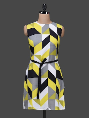 Sleeveless geometric print dress