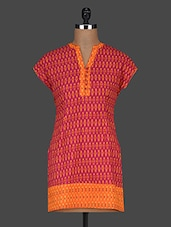 Printed Shorts Sleeves Cotton Kurti - AARDEE - 1135625