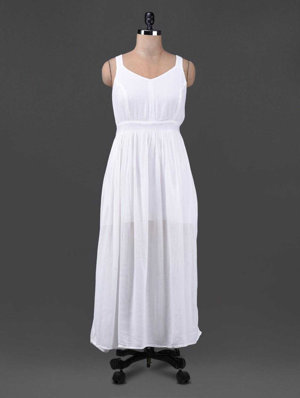 Solid White Sleeveless Maxi Dress - Oxolloxo