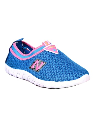 blue mesh slip on sports shoes