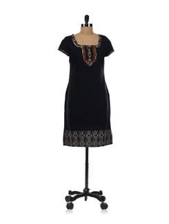 Black Embroidered Kurta - Aurelia