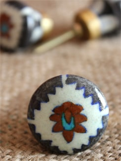 White Ceramic Knobs (Set Of 6) - NEERJA