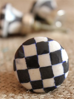 Black And White Checked Ceramic Knobs (Set Of 6) - NEERJA