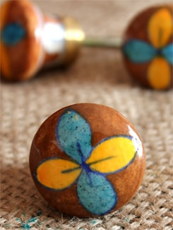 Brown Patterned Ceramic Knobs (Set Of 6) - NEERJA