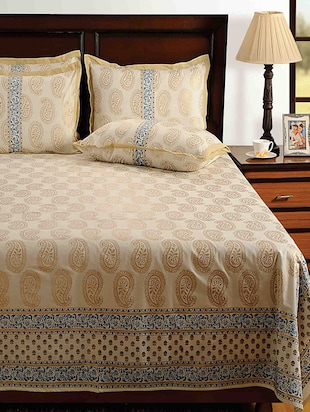Saavra Beige Colour Cotton Double Bed Sheet With 2 Pillow Covers