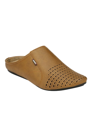 cbf0e5fc137 Sandals and floaters for Men - Buy Leather Floaters Online in India