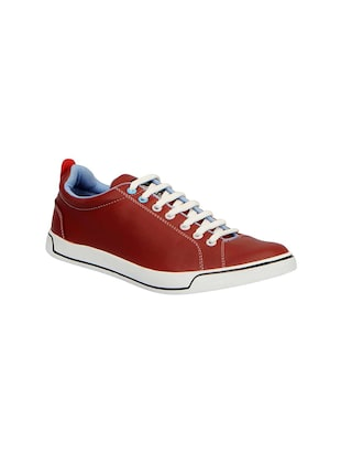 maroon leatherette lace up sneaker
