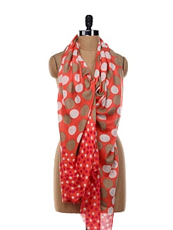 White And Grey Polka Dotted Red Stole - TIARA