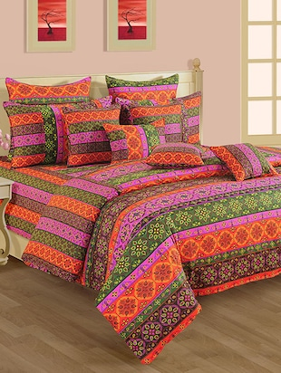 Cotton Printed Comforter With Polyfill Filler