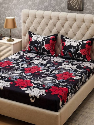 Floral Print PolyCotton Double Bedsheet With 2 Pillow Covers