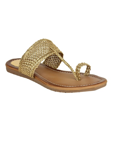 42cd0cd39 Kolhapuri Chappal- Buy  249