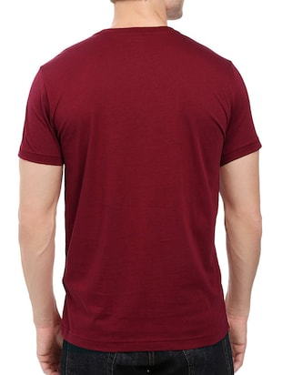 maroon cotton chest print tshirt - 14536341 - Standard Image - 2