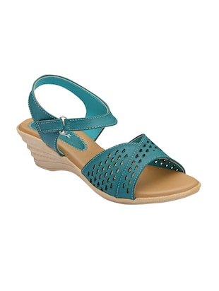 5654449d34d5 Footsoul Wedges - Buy Wedges for Women Online in India