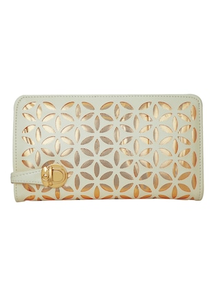 white leatherette  regular clutch