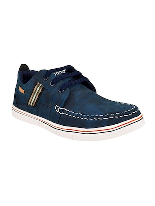 blue leatherette lace up sneaker
