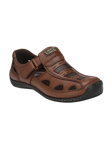 bb909b08c41 Sandals and floaters for Men - Buy Leather Floaters Online in India