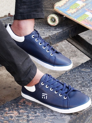 navy leatherette lace up sneaker