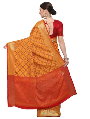 Zari bordered woven saree with blouse - 14909569 - Standard Image - 2