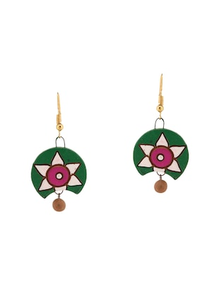 green wood necklaces and earring - 15009815 - Standard Image - 2