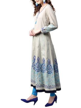 white cotton anarkali kurta - 15023860 - Standard Image - 2