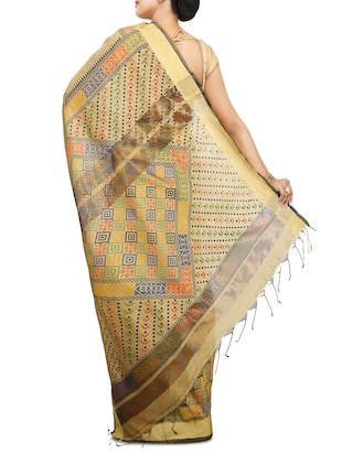 Floral handloom saree with blouse - 15029216 - Standard Image - 2