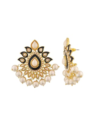 Pearl earrings - 15167229 - Standard Image - 2