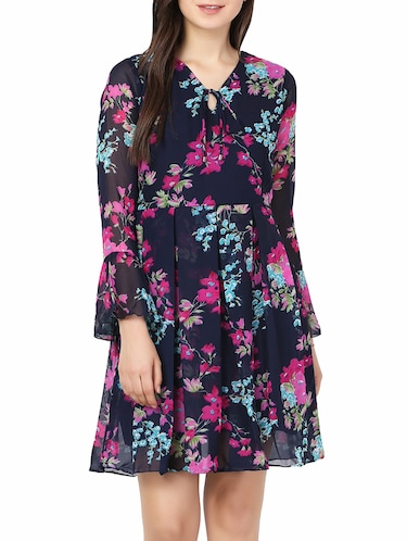 ec69a7eea9d Knee length dresses - Buy Knee length dresses Online at Best Prices in  India - LimeRoad.com